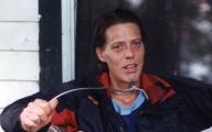 A man goes to extreme measures to kick his smoking habit